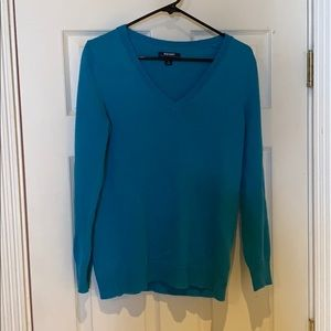Old navy. V neck sweater